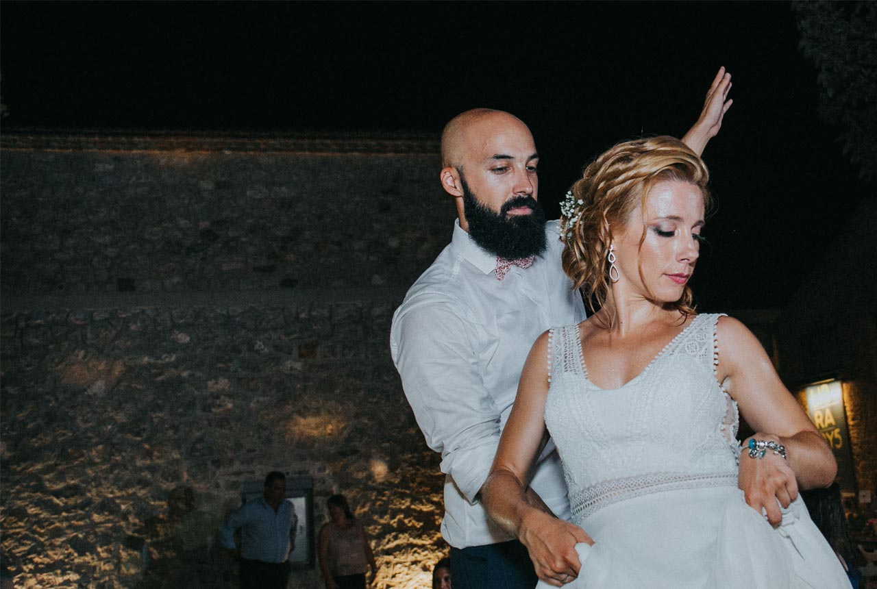 wedding in nafplio, couple photo, civil wedding, wedding planning, discover nafplio weddings , wedding party